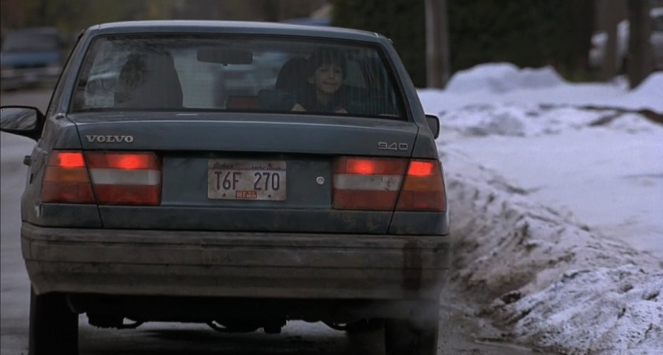 "IMCDb.org: 1991 Volvo 940 [944] in ""The Santa Clause, 1994"""