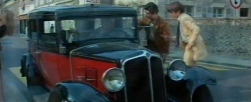 renault taxi g7 in l 39 cume des jours 1968. Black Bedroom Furniture Sets. Home Design Ideas