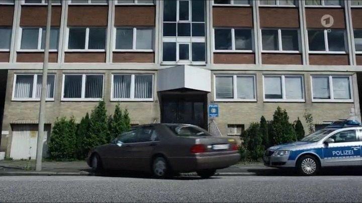 1991 mercedes benz s klasse w140 in polizeiruf 110 einer f r alle alle f r. Black Bedroom Furniture Sets. Home Design Ideas