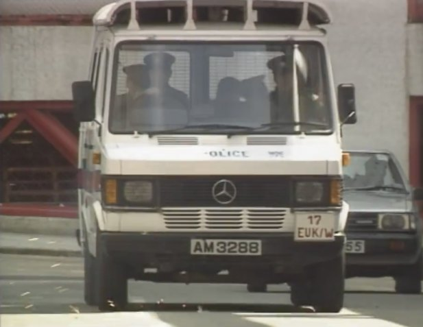 Imcdb Org 1989 Mercedes Benz 310 Hk Police T1 In Quot Yat Ho Wong Ting 1992 1997 Quot