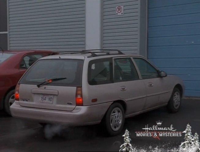 Finding John Christmas.Imcdb Org 1997 Ford Escort Wagon In Finding John Christmas