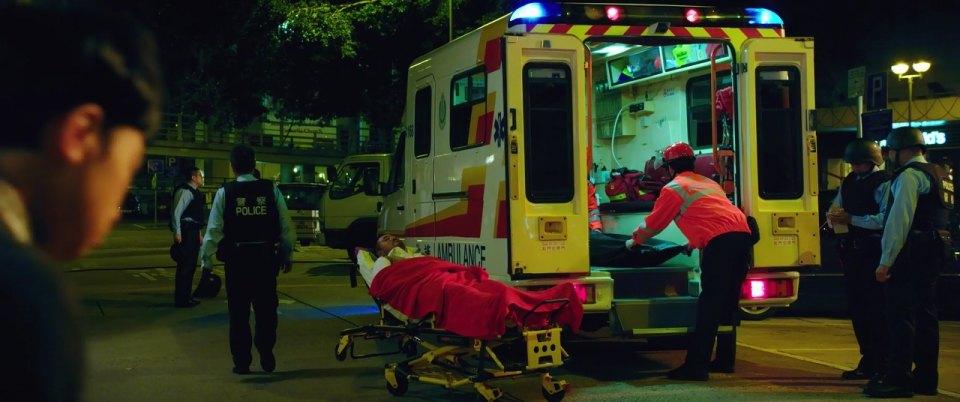 IMCDb org: 1995 Mercedes-Benz Sprinter Ambulance [T1N] in