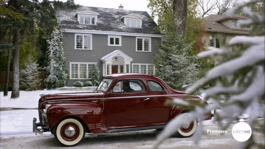 Snowed Inn Christmas.Imcdb Org 1941 Plymouth De Luxe Business In Snowed Inn