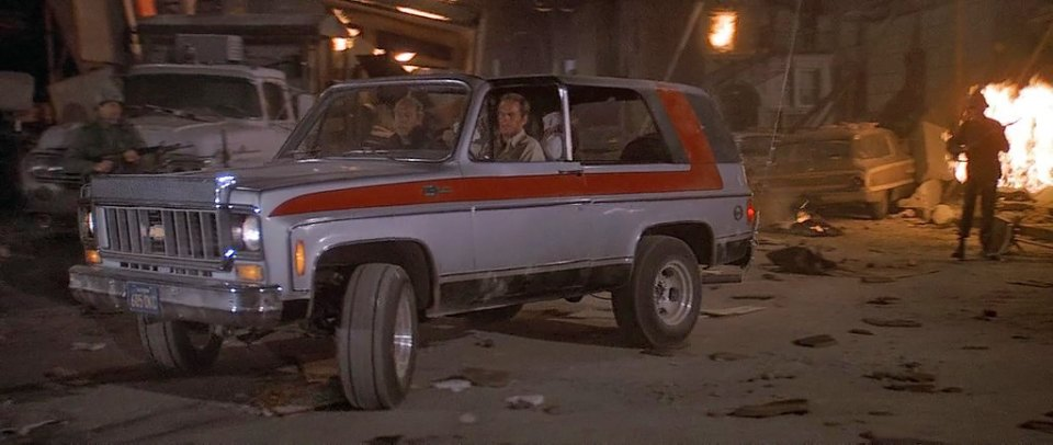 IMCDb.org: 1973 Chevrolet Blazer Cheyenne [K5] in quot;Earthquake, 1974quot;