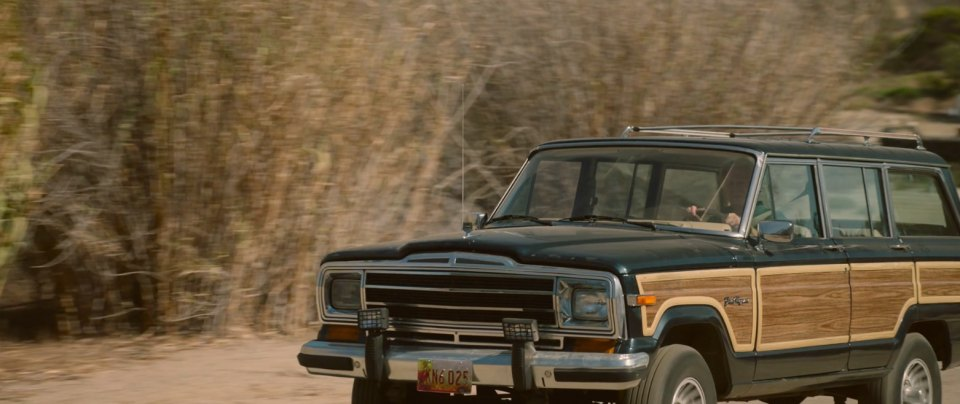 2018 Jeep Grand Wagoneer >> Imcdb Org Jeep Grand Wagoneer Sj In Insidious The Last