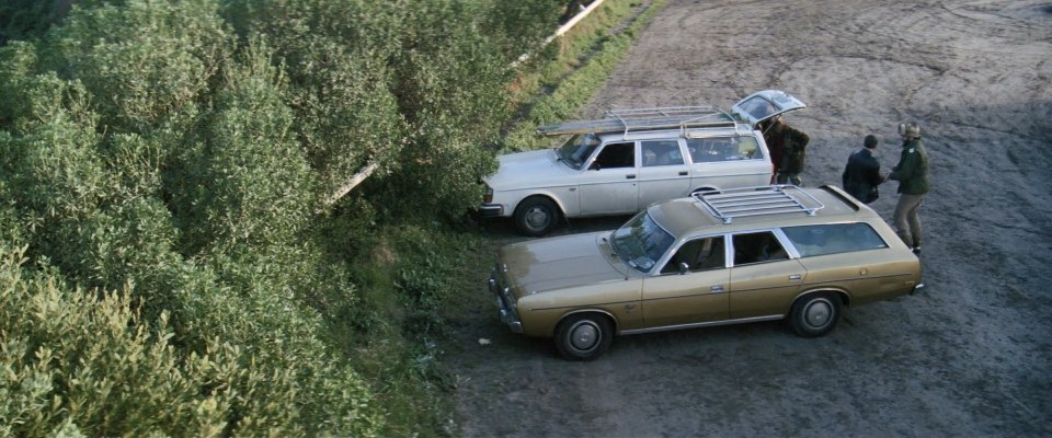 IMCDb.org: 1967 Chrysler Valiant Regal [VC] in The FJ