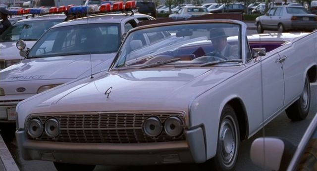 1964 lincoln continental in inspector gadget. Black Bedroom Furniture Sets. Home Design Ideas
