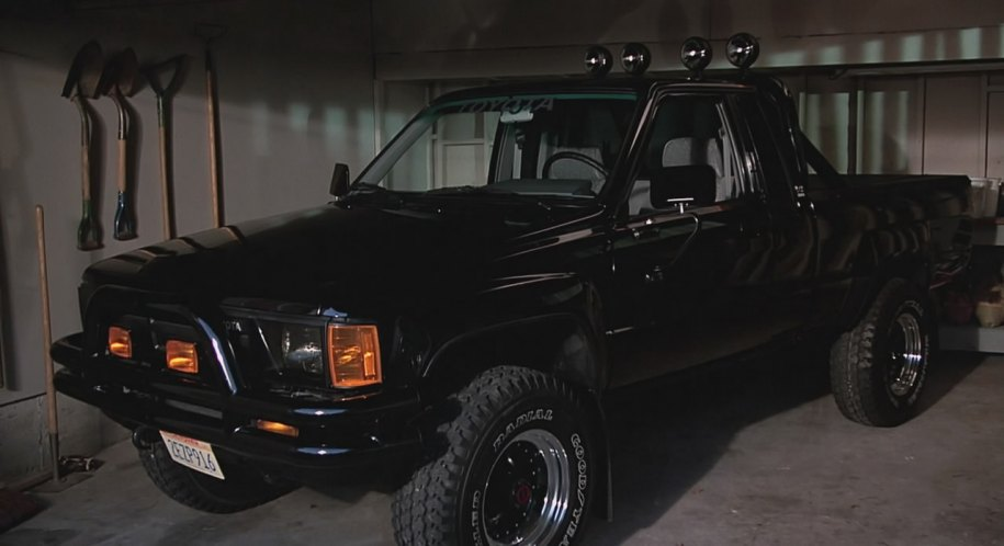 1985 toyota truck sr5 xtra cab 4x4 rn65 in back to the future 1985. Black Bedroom Furniture Sets. Home Design Ideas
