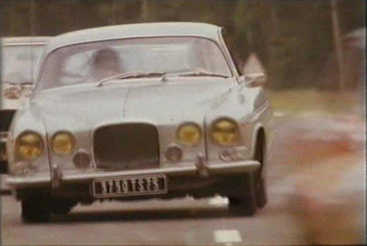 IMCDb.org: 1966 Jaguar 420 G in