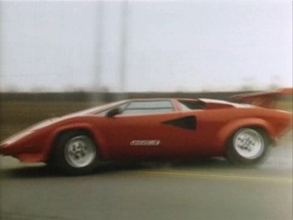 lamborghini countach replica in speed zone 1989. Black Bedroom Furniture Sets. Home Design Ideas