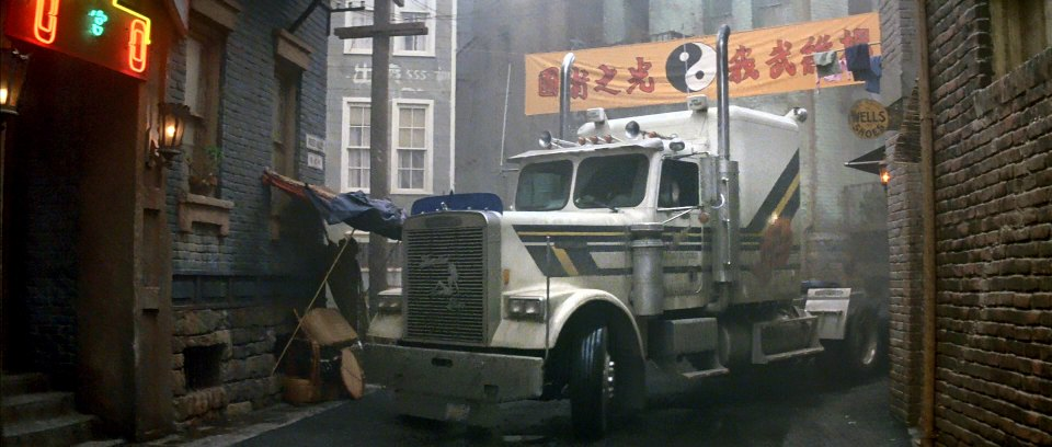 "Freightliner Coronado For Sale >> IMCDb.org: 1985 Freightliner FLC 120 in ""Big Trouble in Little China, 1986"""