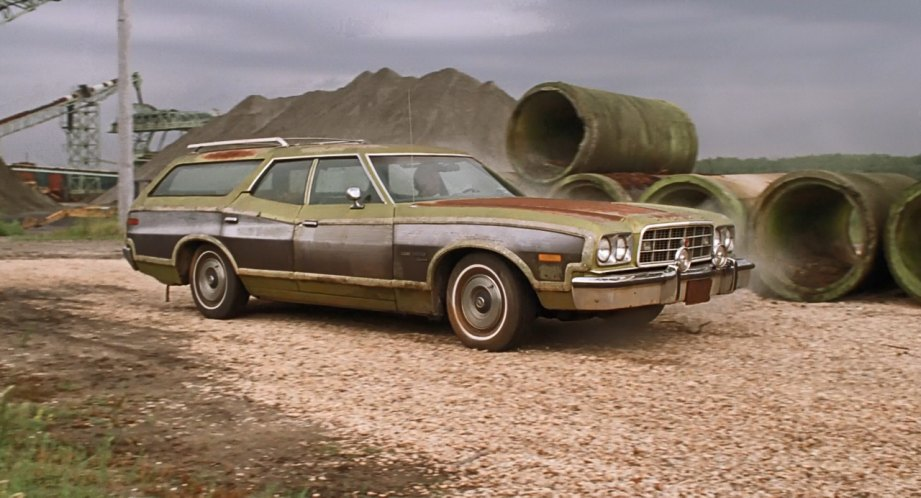 "IMCDb.org: 1973 Ford Gran Torino Squire in ""Undertow, 2004"""