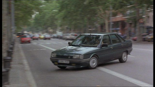 1986 renault 21 turbo diesel s rie 1 x48 in face of terror 2003. Black Bedroom Furniture Sets. Home Design Ideas