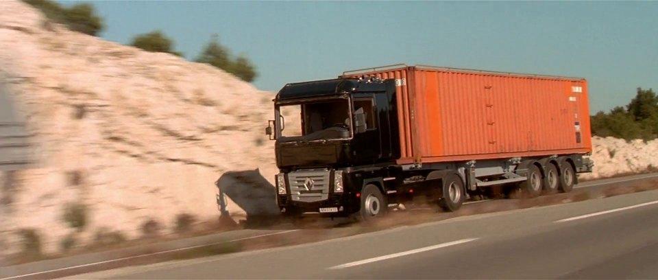2001 renault magnum in the transporter 2002. Black Bedroom Furniture Sets. Home Design Ideas