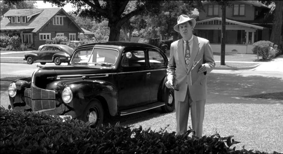 1940 Dodge Luxury Liner De Luxe Two-door Sedan [D-14]
