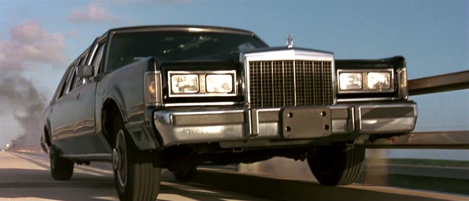 Imcdb Org 1985 Lincoln Town Car Stretched Limousine In True Lies