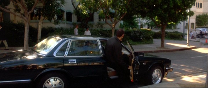 1993 jaguar xj6 xj40 in the usual suspects. Black Bedroom Furniture Sets. Home Design Ideas