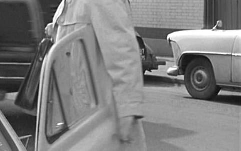 "IMCDb.org: 1956 Simca Vedette Versailles in ""Un drôle de Caïd, 1964"""