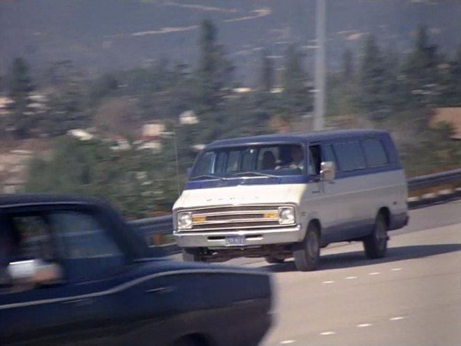 IMCDb org: 1977 Dodge Sportsman MaxiVan [B-300] in