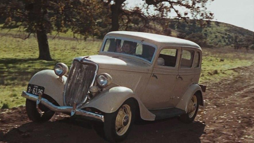 1934 Ford V8 Fordor [40] & IMCDb.org: 1934 Ford V8 Fordor [40] in
