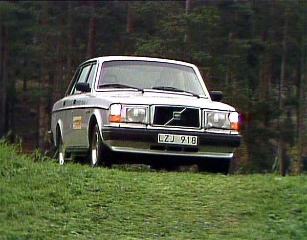 IMCDb.org: 1985 Volvo 240 GL [244] in