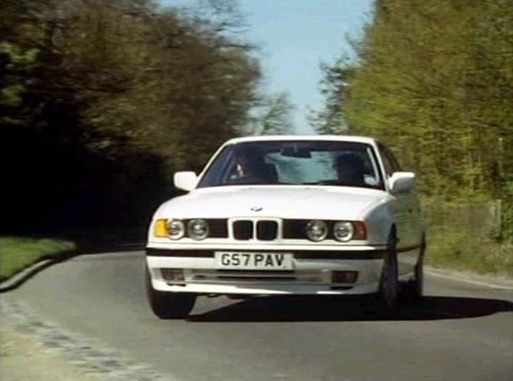 Bmw 530i. 1990 BMW 530i M Technic [E34]
