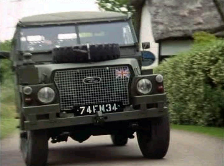 1971 Land-Rover 88'' Series III Light-Weight FFR