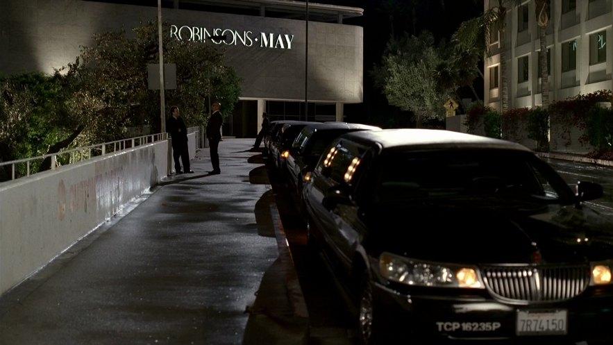 1999+lincoln+town+car+limousine