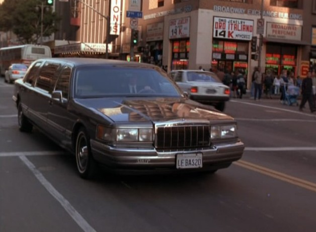Imcdb Org 1990 Lincoln Town Car Stretched Limousine In The Last Days Of Frankie Fly 1996