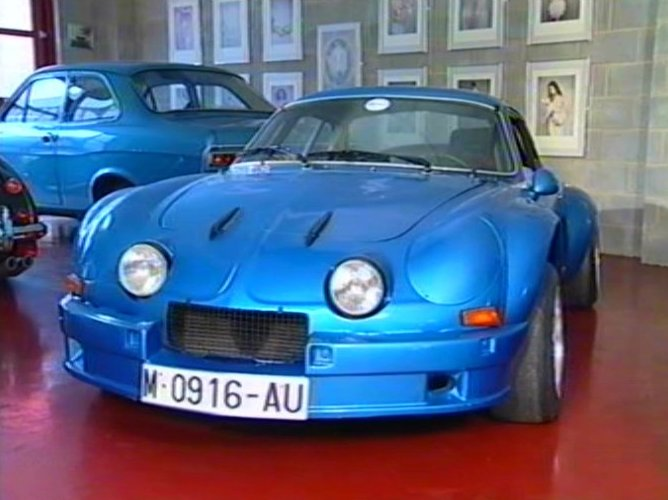 1975 alpine a110 berlinette in the worlds greatest rally cars 2000. Black Bedroom Furniture Sets. Home Design Ideas
