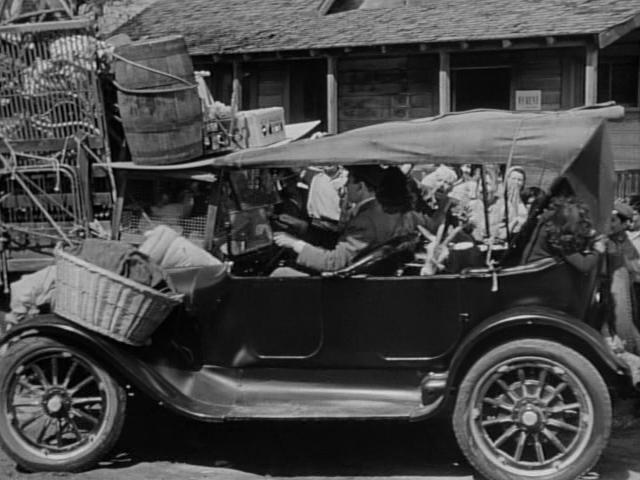 1917 dodge brothers touring in it 39 s a. Black Bedroom Furniture Sets. Home Design Ideas