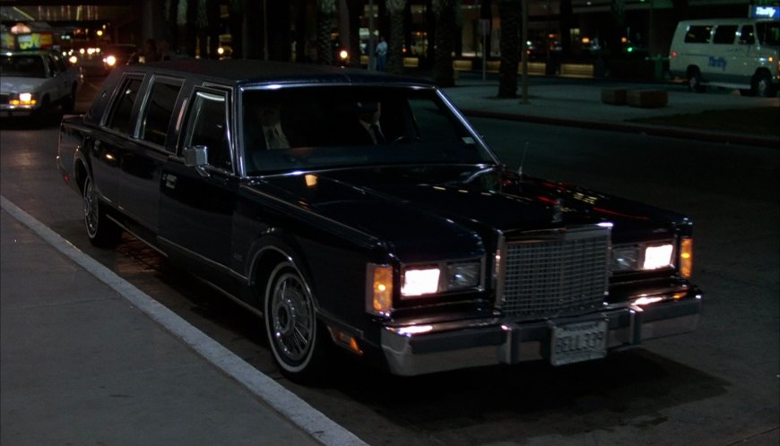 Imcdb Org 1985 Lincoln Town Car Stretched Limousine In Midnight