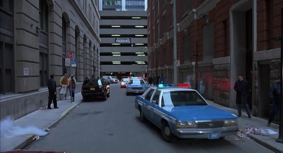 "Ford Or Chevy >> IMCDb.org: 1988 Ford LTD Crown Victoria in ""Death Wish V ..."
