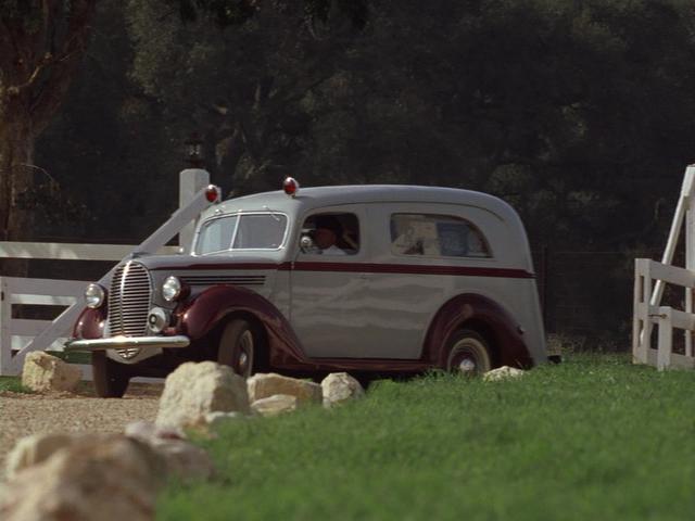 """IMCDb.org: 1939 Ford V8 Ambulance Siebert in """"Seabiscuit ..."""