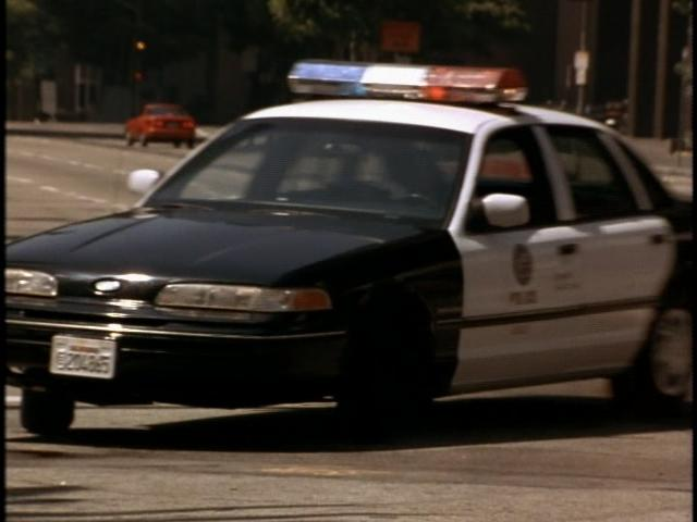 "IMCDb.org: 1992 Ford Crown Victoria in ""Executive Target, 1997"""