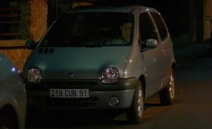 2002 renault twingo initiale s rie 1 x06 in julie lescaut 1992 2012. Black Bedroom Furniture Sets. Home Design Ideas
