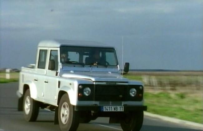 Land Rover Defender 110. 2002 Land-Rover Defender 110