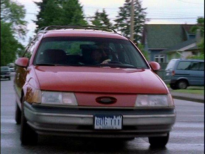 "Used Ford Taurus >> IMCDb.org: 1989 Ford Taurus Wagon in ""Road Rage, 1999"""