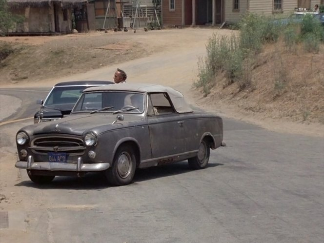 1960 peugeot 403 cabriolet in columbo fade in to murder 1976. Black Bedroom Furniture Sets. Home Design Ideas