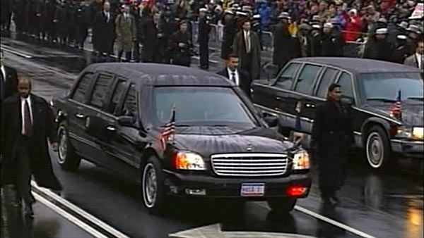 2001 cadillac presidential state car in fahrenheit 9 11 2004. Black Bedroom Furniture Sets. Home Design Ideas
