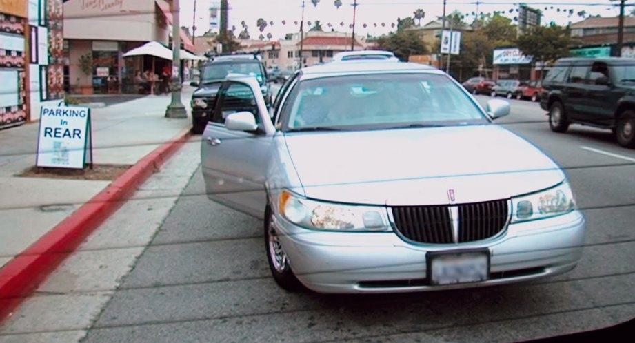 Imcdb Org 1998 Lincoln Town Car Signature Touring Sedan In Jackass
