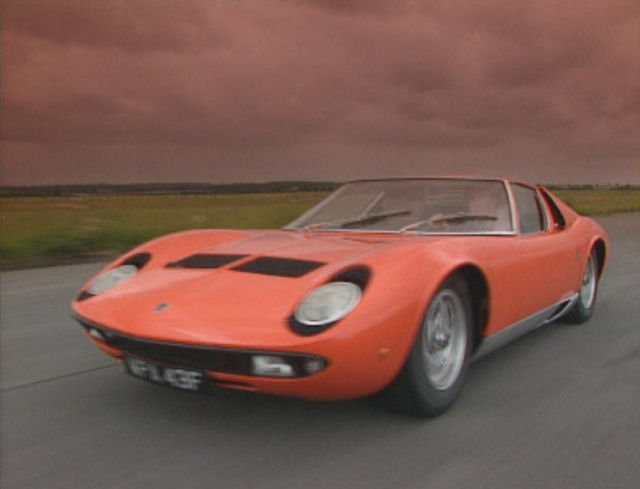 ... Top 10 Classic Super Cars from the 1960s ( Lamborghini Miura P400S