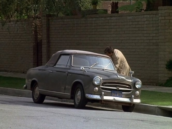 1960 peugeot 403 cabriolet in columbo a friend in deed 1974. Black Bedroom Furniture Sets. Home Design Ideas