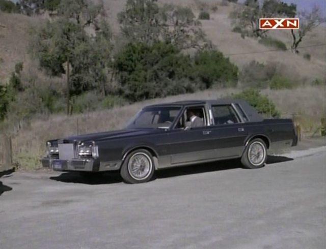 IMCDb.org: 1986 Lincoln Town Car in