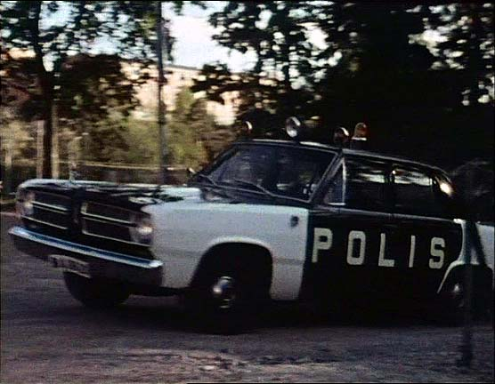 1967 Plymouth Valiant V-100 Polis