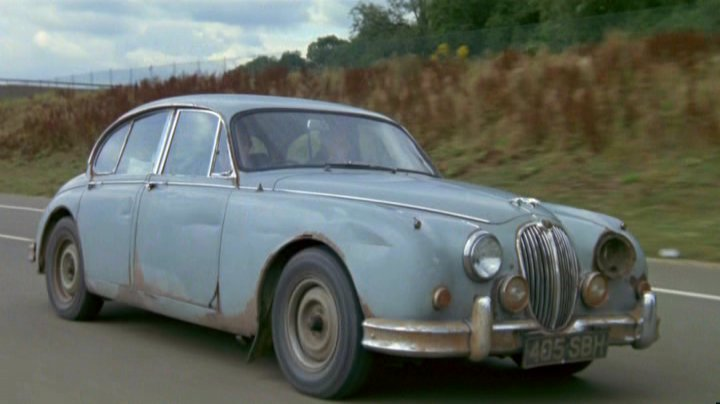 1961 jaguar mk ii 2 4 litre in withnail i 1987. Black Bedroom Furniture Sets. Home Design Ideas