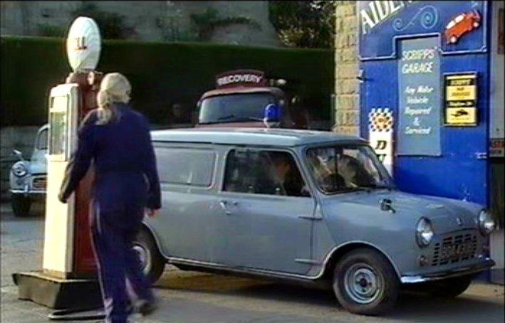 Imcdb Org 1978 Mini Van 1000 In Quot Heartbeat 1992 2009 Quot