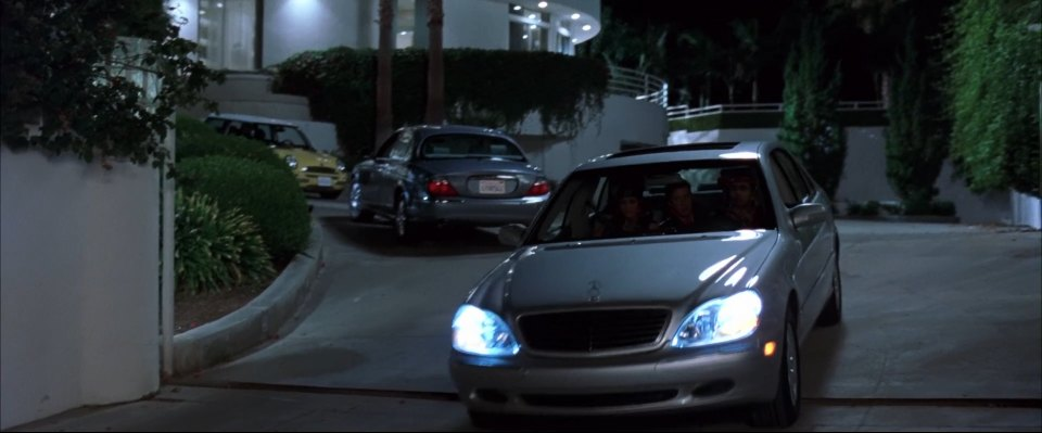 "IMCDb.org: 2001 Mercedes-Benz S 600 [W220] in ""Malibu's ..."