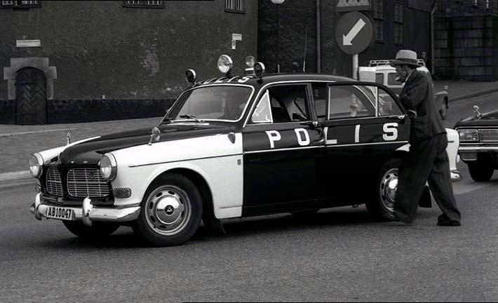 "IMCDb.org: 1965 Volvo Amazon Polis [P120] in ""Att angöra en brygga, 1965"""