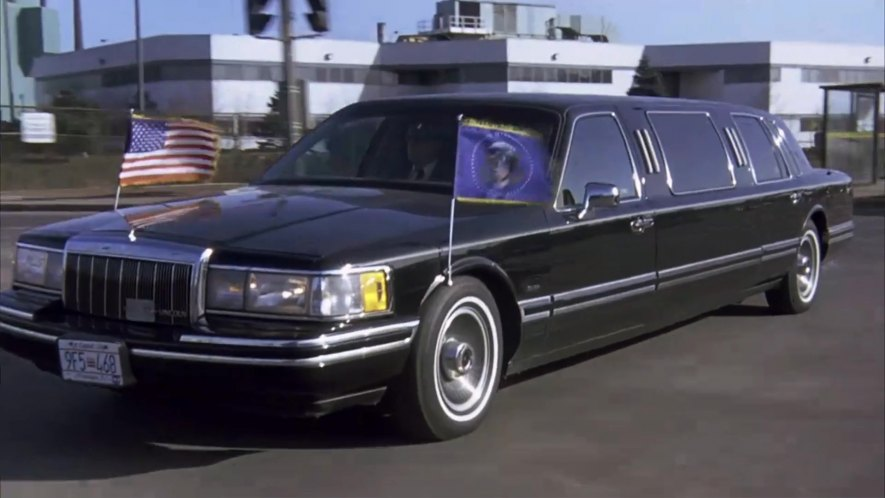 Imcdb Org 1991 Lincoln Town Car Stretched Limousine In Canadian